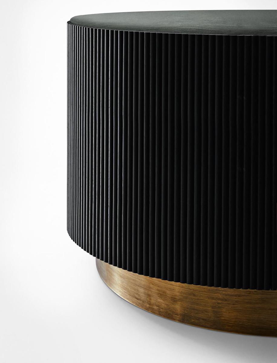 Tavolini tubolari morbidamente pieghettati bordati Nori di Gallotti & Radice