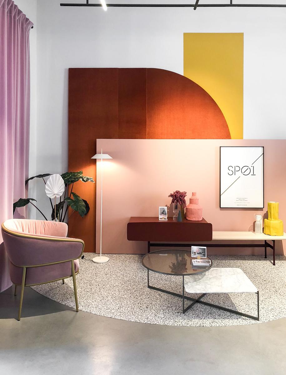 Il brand australiano emergente, Sp01, presenta la nuova collezione firmata da Tim Rundle, Materiali dal sapore industrial, ceramiche, tessuti tutto elaborato su un'unica palette cromatica.