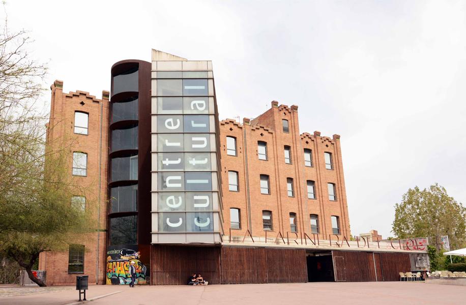Progetti architettonici. Il centro culturale Farinera del Clot a Barcellona.