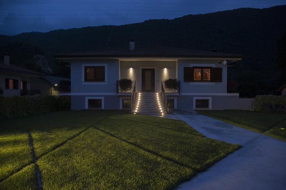 Luce e personalizzazione in un progetto di villa unifamiliare
