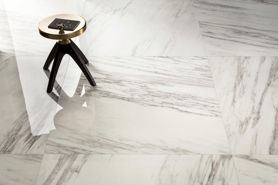 La ceramica riproduce fedelmente il marmo