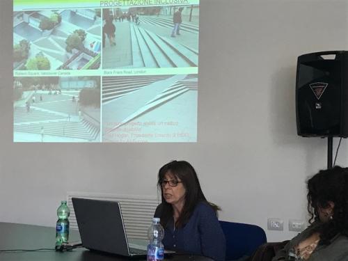 Progettazione inclusiva e materiali sensoriali Teresa Villani